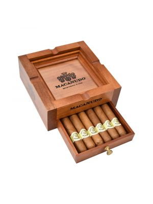 Macanudo Collection With Ashtray